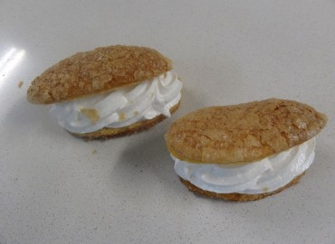 Lenguas de hojaldre con merengue